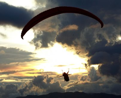 una aventura para tocar las nubes en parapente