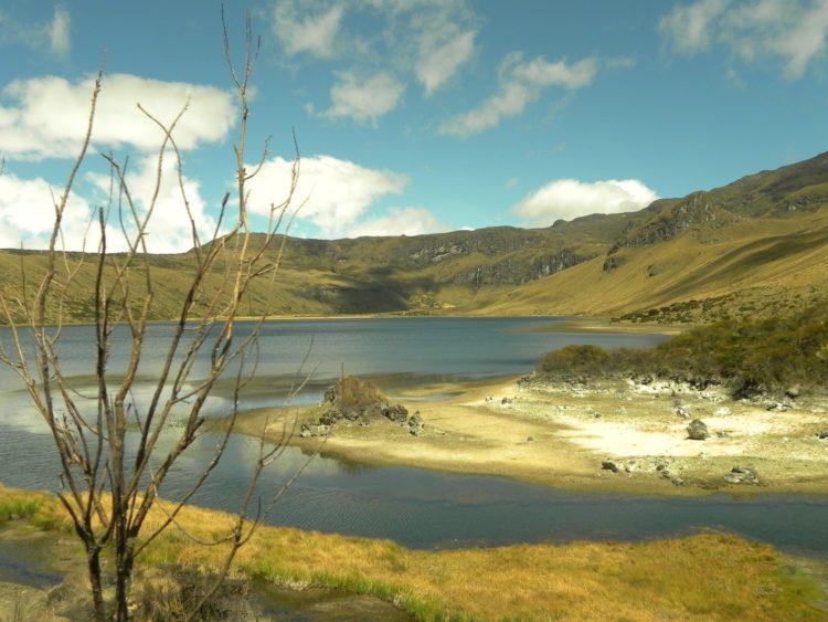 Laguna-del-Otun-Azufrera-excursion-colombia-pereira