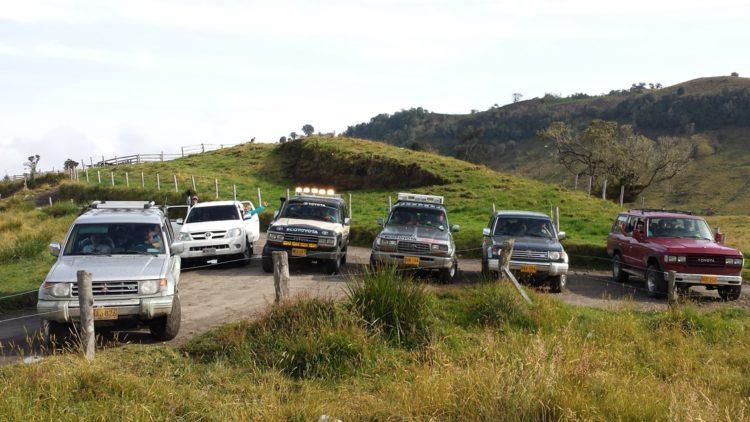 Flota de vehículos vista Nevado Santa Isabel