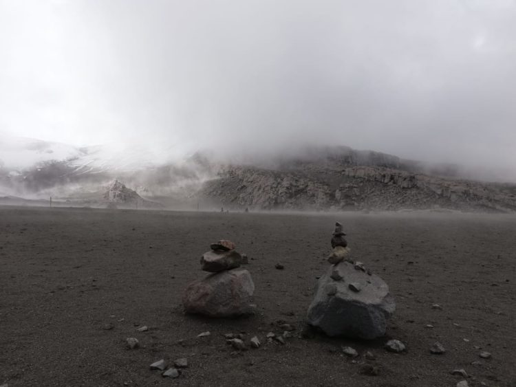 Nevado del Ruíz - Los Nevados National Natural Park - Colombia - High Mountain - Tourist Plans - Valley of the Tombs - Gallitos