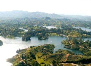 Embalse De Guatapé-Antioquia