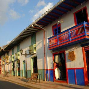 Recorrido por Salento, en la calle real - Eje Cafetero Colombiano