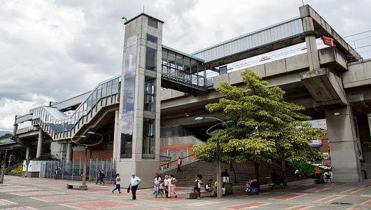 Estación Metro Medellin- mamá