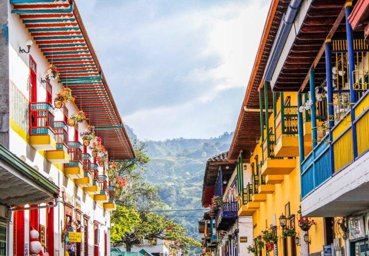 Pueblos Patrimonio Antioquia-Balcones coloridos